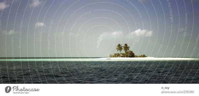 Bald ist sie verschwunden Natur Ferien & Urlaub & Reisen Meer Sommer Strand ruhig Ferne Freiheit Glück Sand träumen Wasserfahrzeug Wellen Ausflug Abenteuer Insel