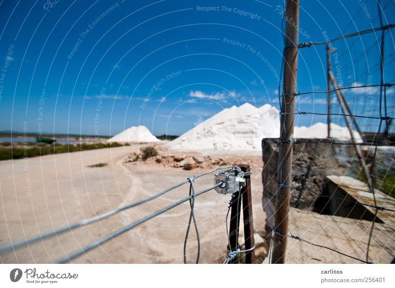 Titel blau weiß Mauer glänzend Sicherheit Metallwaren Hügel Zaun Grenze Rost Handwerk Draht Tradition blenden Mallorca Lager