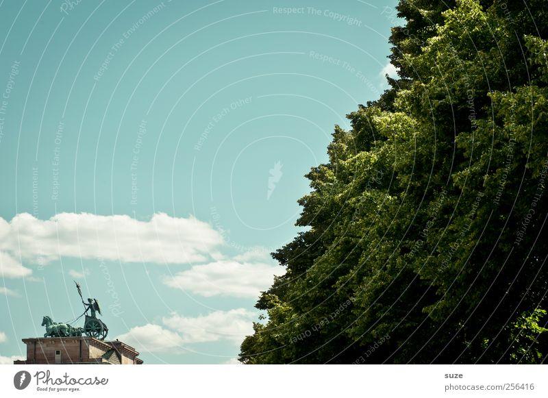 Torwart Himmel blau grün Baum Wolken Umwelt Berlin außergewöhnlich Kunst Deutschland groß Tourismus Europa ästhetisch Kultur Symbole & Metaphern