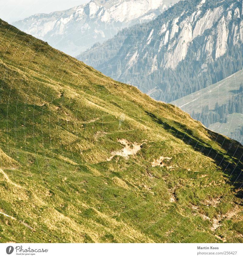 Gebirge Hügel Felsen Berge u. Gebirge Linie ästhetisch bedrohlich eckig gigantisch hoch Leben unbeständig Farbfoto Strukturen & Formen Menschenleer