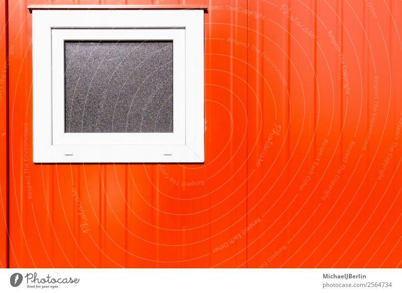 Rote Stahlblech Wand mit Fenster Industrieanlage Gebäude Mauer rot Deutschland Hamburg Baustelle Container Bauleiter Sonnenlicht Strukturen & Formen Metall