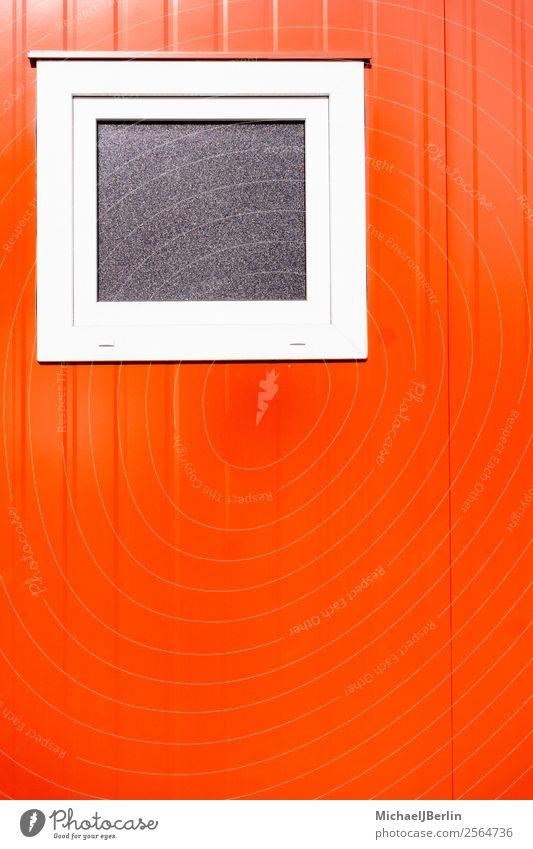 Rote Wand von Metall Container mit Fenster Mauer rot Deutschland Hamburg Textfreiraum Außenaufnahme Tag Zentralperspektive