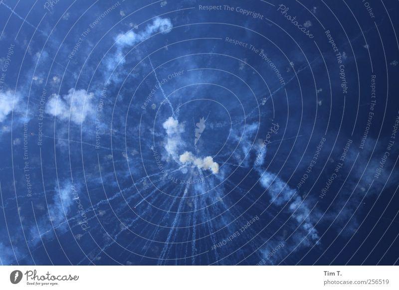 Feuerwerk Himmel Sommer Wolken Glück Stimmung Blauer Himmel Explosion