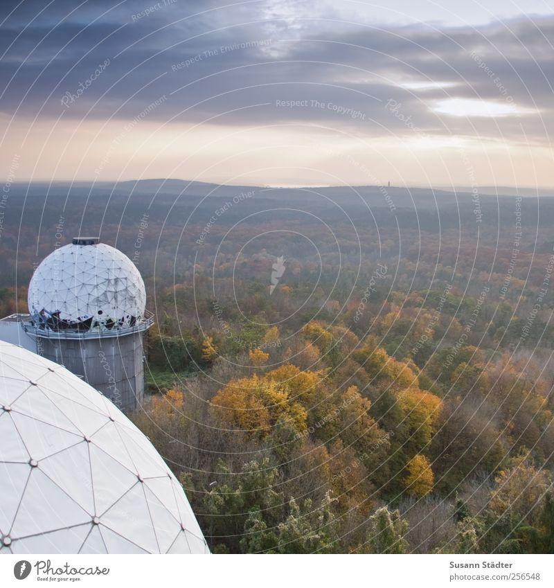 home. Natur Landschaft Wolken Sonne Herbst Baum Wald Mauer Wand Teufelsberg Berlin Geschicklichkeit nsa mehrfarbig herbstlich hören Radarstation