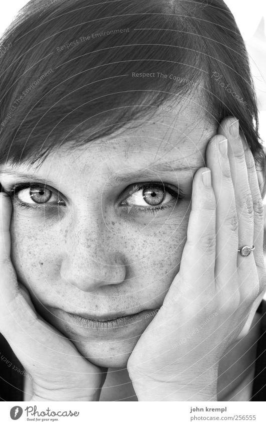Bis ins Herz Mensch Jugendliche ruhig Gesicht Erwachsene Auge feminin Haare & Frisuren Denken träumen Zusammensein warten 18-30 Jahre Junge Frau Romantik weich