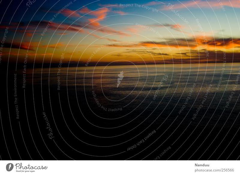 Abend Umwelt Hoffnung Glaube Himmel (Jenseits) Sonnenuntergang Meer Horizont Wolken Dämmerung mehrfarbig gold blau rosa Farbfoto Außenaufnahme Totale Weitwinkel