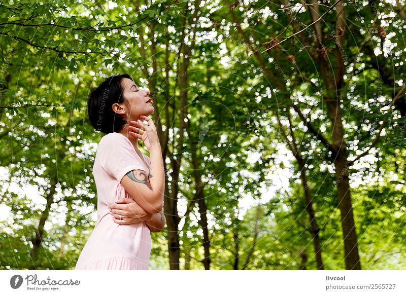 hipster Mädchen IV Lifestyle elegant Stil schön Sommer Garten Mensch feminin Frau Erwachsene Körper 1 18-30 Jahre Jugendliche Natur Park Mode Unterwäsche Tattoo