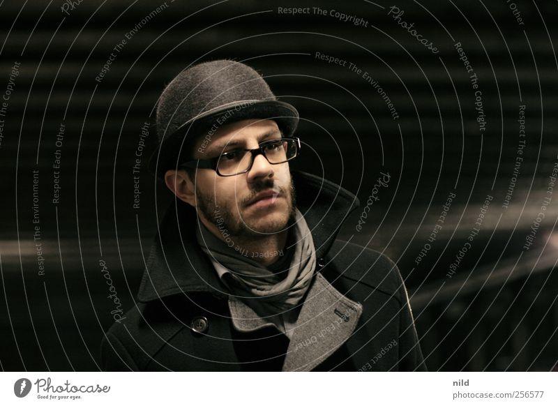 Melone elegant Stil Mensch maskulin Junger Mann Jugendliche Erwachsene Kopf Gesicht Bart 1 18-30 Jahre Mode Mantel Brille Hut Vollbart Blick authentisch Erfolg