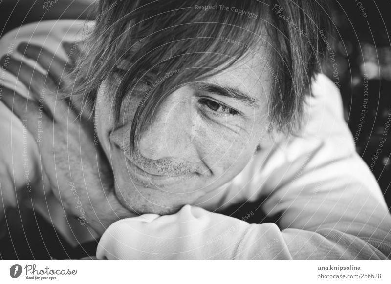 [600] after the storm maskulin Mann Erwachsene 1 Mensch 30-45 Jahre blond Dreitagebart Denken Erholung Lächeln Blick träumen Freundlichkeit Fröhlichkeit Gefühle