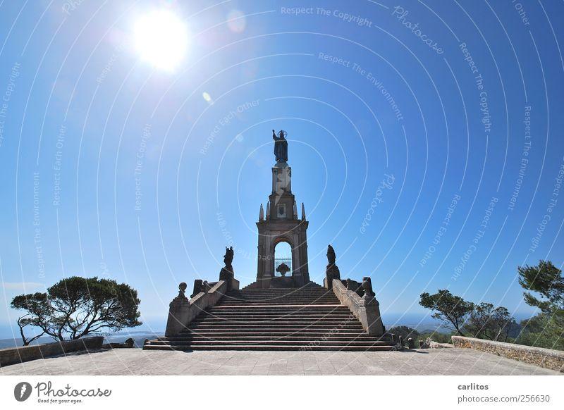 Motiv Himmel blau Sonne Ferien & Urlaub & Reisen Sommer hoch Treppe ästhetisch Bauwerk Schönes Wetter Geländer Denkmal Wahrzeichen Symmetrie Sehenswürdigkeit