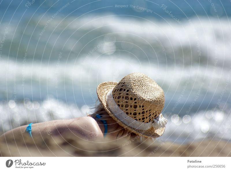 Unbeschwerte Kindheitstage Mensch Natur blau Wasser Meer Sommer Erholung Umwelt feminin Wärme Kopf Küste Haare & Frisuren hell Wellen