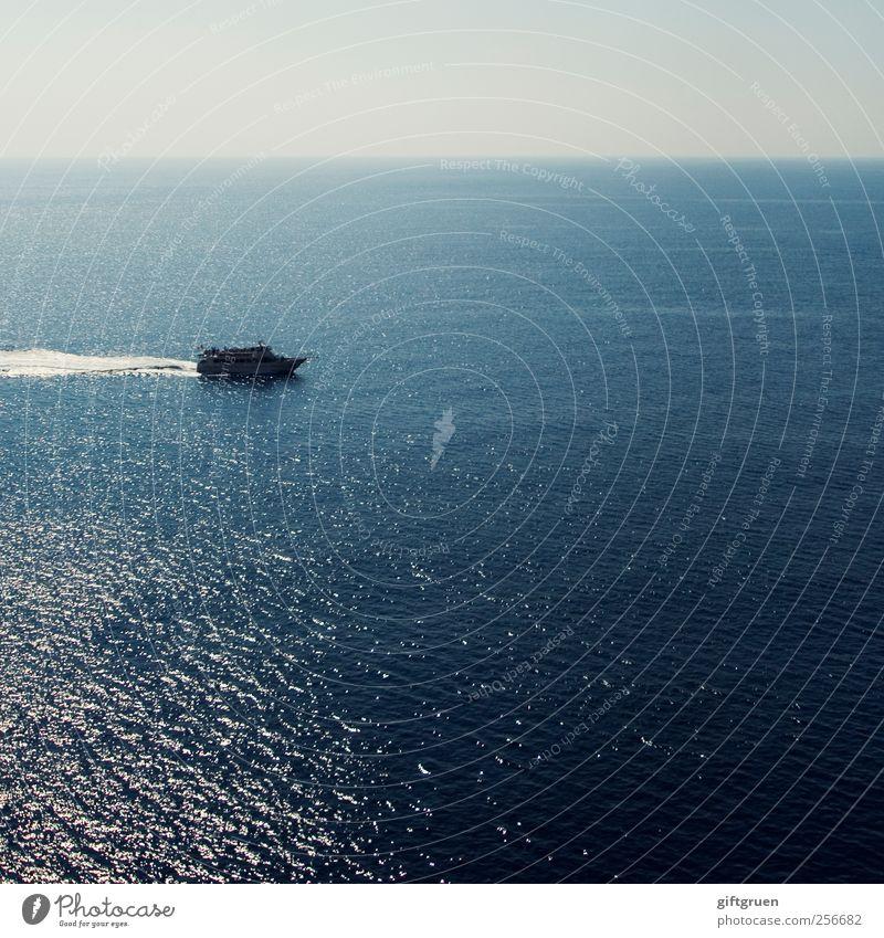 herumschippern Natur Wasser blau Meer Ferne Umwelt Landschaft Wasserfahrzeug Wellen Horizont leer Urelemente Schönes Wetter Schifffahrt Verkehrsmittel