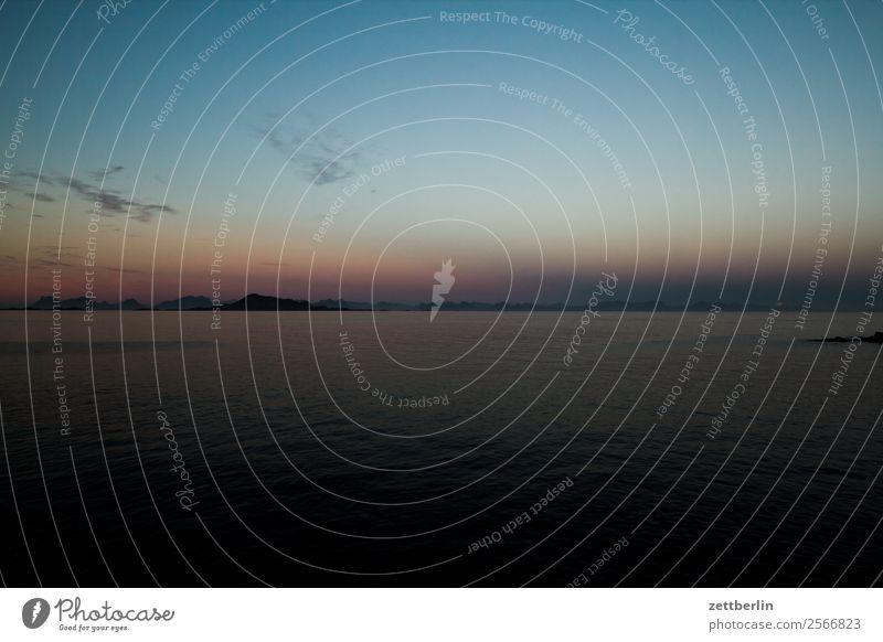 Dunkler Horizont Polarmeer Europa Felsen Ferien & Urlaub & Reisen Fjord Himmel Himmel (Jenseits) Insel Landschaft Lofoten maritim Meer Natur nordisch Norwegen