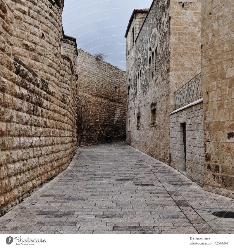 Streets of Israel alt Stadt Fenster Wand Architektur grau Mauer braun Kraft gold Platz Sicherheit Burg oder Schloss Hauptstadt Altstadt