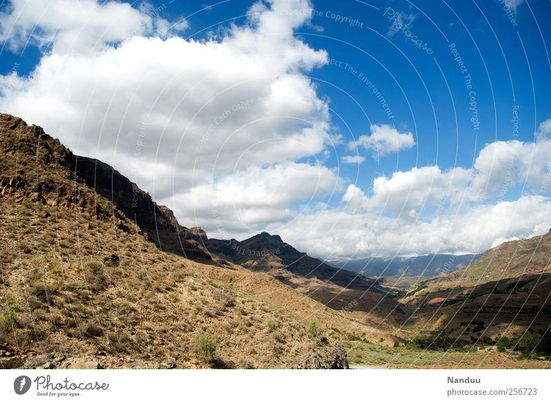 Weite weite Welt Landschaft frei Ferne Berge u. Gebirge Gran Canaria Spanien Tal trocken Steppe Felsen Ferien & Urlaub & Reisen Farbfoto mehrfarbig