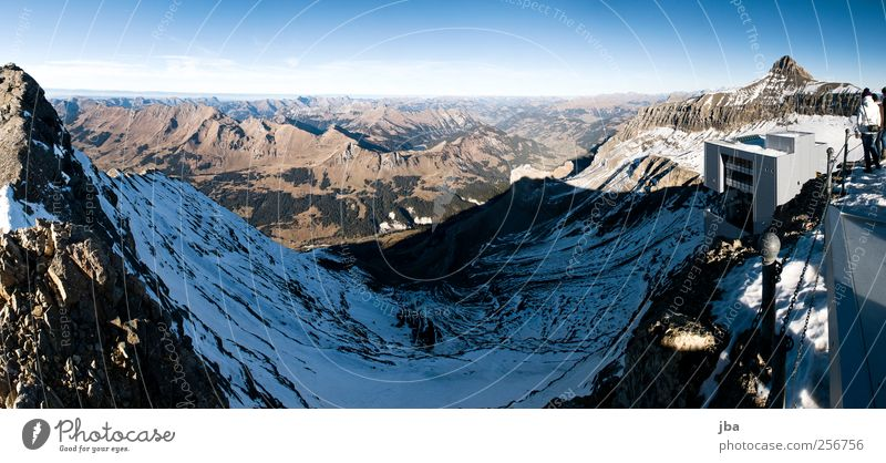 Blick nach Gstaad Natur alt Winter ruhig Herbst dunkel Landschaft Berge u. Gebirge Stein Metall See Felsen hoch Tourismus fahren Alpen