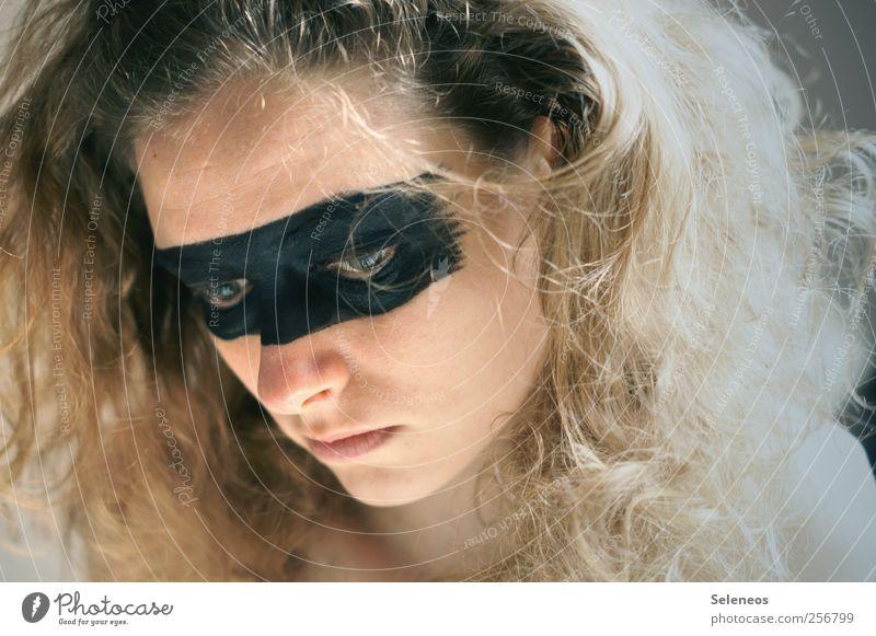 because Mensch feminin Junge Frau Jugendliche Haut Kopf Haare & Frisuren Gesicht Auge Nase Mund 1 blond Locken Blick träumen Schminke geschminkt Augenbinde