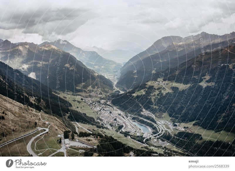 Gotthardpass I Himmel Natur Landschaft Berge u. Gebirge Herbst Umwelt natürlich Tourismus Wetter Klima Hügel Alpen Schweiz Pass