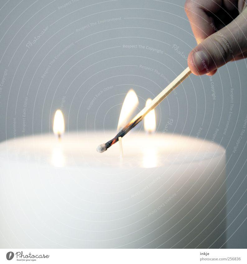 dritter Advent Mensch Weihnachten & Advent weiß ruhig Erholung Leben Gefühle Stimmung Feste & Feiern Zufriedenheit Freizeit & Hobby Finger Lifestyle Häusliches Leben Kerze Sauberkeit
