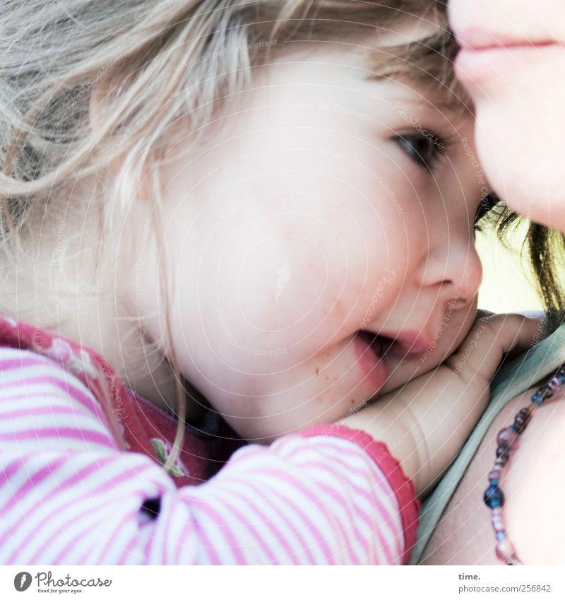 Heimat Mensch Frau Hand Erwachsene Gesicht Auge Gefühle Kopf Haare & Frisuren Glück Kindheit Baby Mund Nase Mutter Schutz