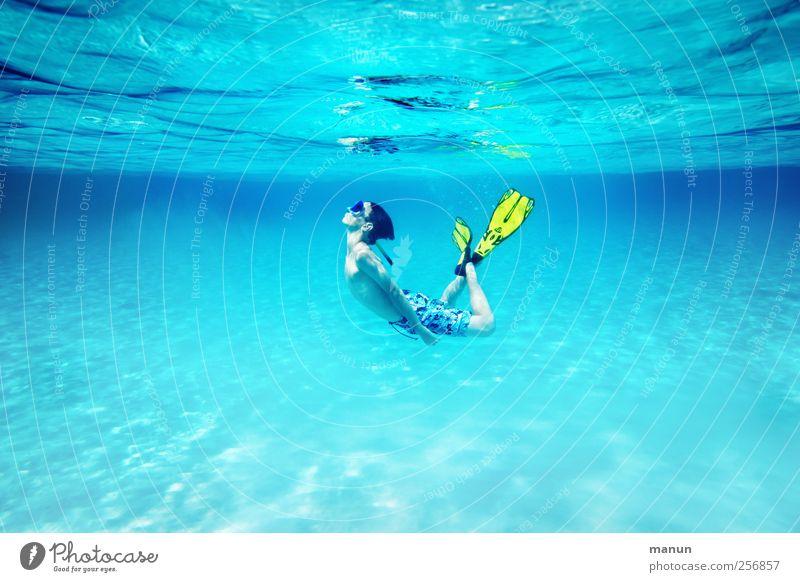Schwebezustand Mensch Natur Jugendliche blau Wasser Ferien & Urlaub & Reisen Meer Sommer Freude Erholung Leben Junge Glück Zufriedenheit Schwimmen & Baden natürlich