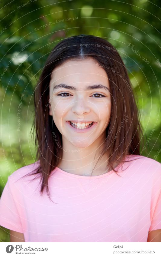 Bezauberndes Mädchen aus der Kindheit Lifestyle Freude Glück schön Gesicht Freizeit & Hobby Sommer Schulkind Mensch Frau Erwachsene Jugendliche Zähne Natur