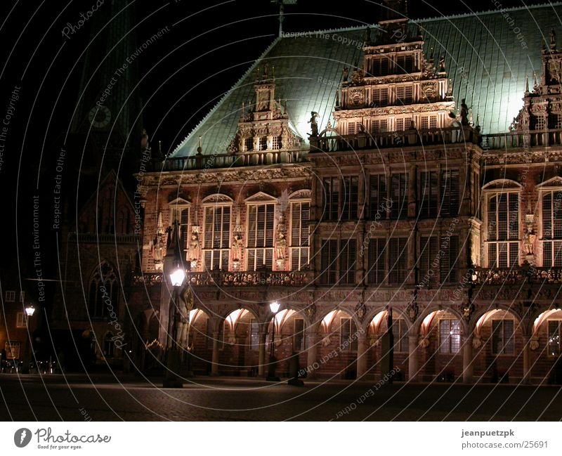 Bremen bei Nacht Beleuchtung Europa Platz Rathaus