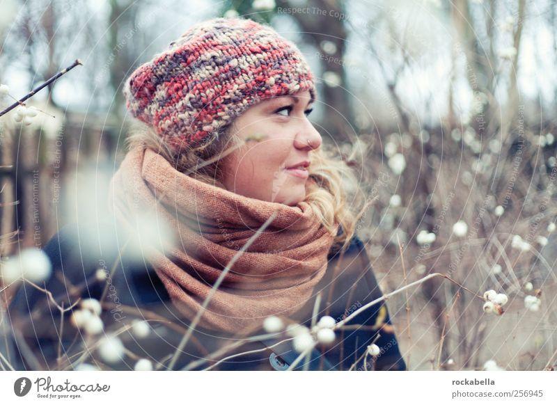 snowballs. Jugendliche schön Erwachsene feminin Glück Wärme blond ästhetisch Fröhlichkeit authentisch einzigartig 18-30 Jahre Freundlichkeit dünn Mütze