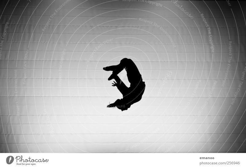 Die Trainerin Mensch Frau Jugendliche Freude schwarz Erwachsene dunkel Sport Bewegung springen Stil Körper Kraft fliegen ästhetisch einzigartig
