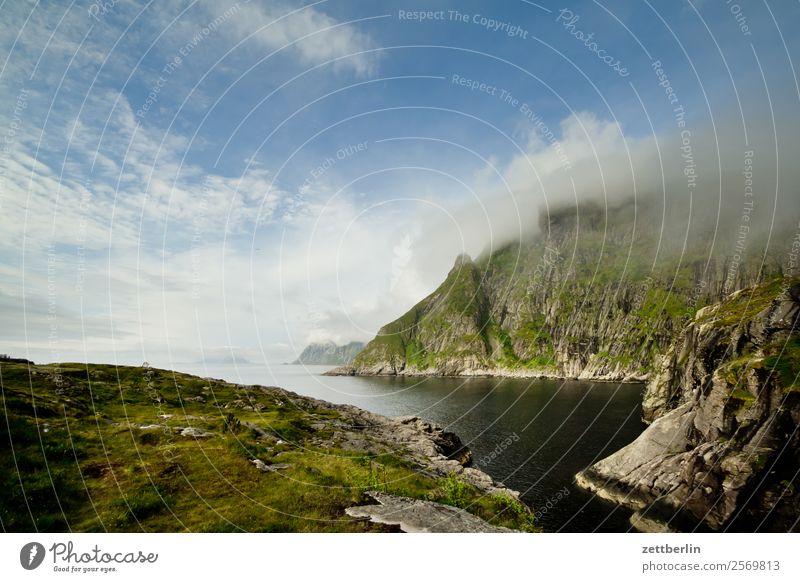 Kråksloka Polarmeer Europa Felsen Ferien & Urlaub & Reisen Fjord Himmel Himmel (Jenseits) Horizont Insel Landschaft Lofoten maritim Meer Natur nordisch Norwegen