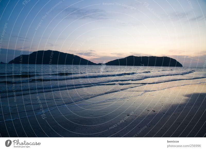 licht und insel Thailand Sand Sandstrand Strand Gegenlicht Baum Sonne Menschenleer Insel Paradies Ferien & Urlaub & Reisen Reisefotografie Einsamkeit Palme