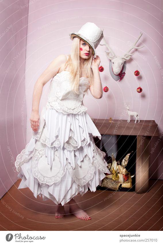 Carrie's Xmas Mensch feminin Junge Frau Jugendliche Erwachsene 1 18-30 Jahre außergewöhnlich blond historisch einzigartig verrückt rosa weiß Kleid