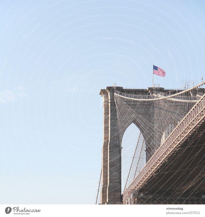 brooklyn bridge Himmel alt Ferien & Urlaub & Reisen Straße Architektur Bewegung Stein Verkehr Tourismus Brücke fahren einzigartig USA Fahne Bauwerk Sehnsucht