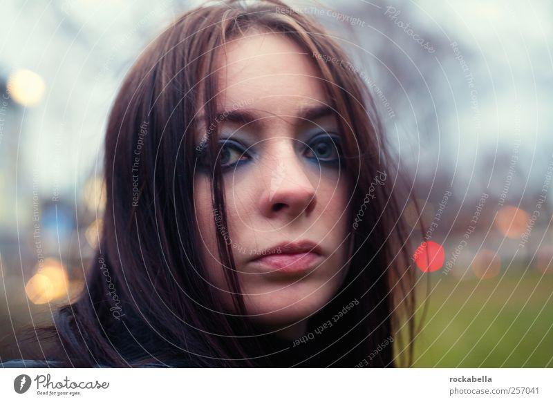 nobody's fool. Mensch Jugendliche schön Einsamkeit Erwachsene feminin Traurigkeit ästhetisch authentisch Hoffnung einzigartig Neugier Sehnsucht 18-30 Jahre