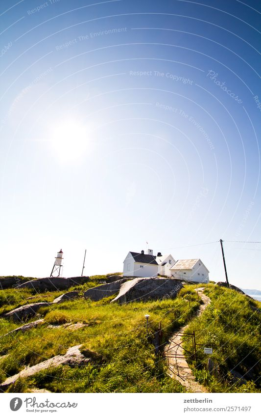 Henningsvær, Kvitvarden Himmel Natur Ferien & Urlaub & Reisen Himmel (Jenseits) Wasser Landschaft Sonne Meer Berge u. Gebirge Wege & Pfade Textfreiraum Felsen