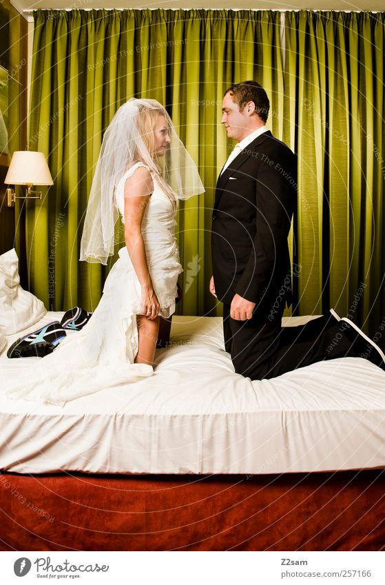 Ring frei! Lifestyle Stil Hochzeit Mensch maskulin feminin Paar Partner 2 Mode Hemd Kleid Anzug Brautkleid Brautschleier Puppe Liebe Zusammensein schön