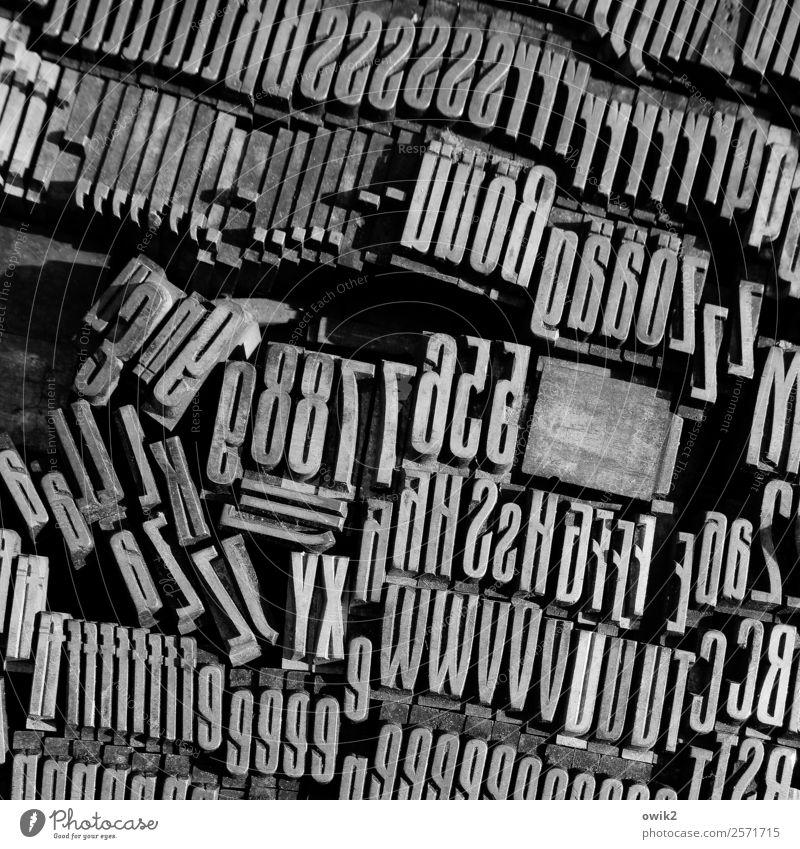 Buchstabensuppe Medienbranche Handwerk Mittelstand Werkzeug Drucklettern Ziffern & Zahlen Zeichen Druckerei Drucktechnik Metall Schriftzeichen viele gleich