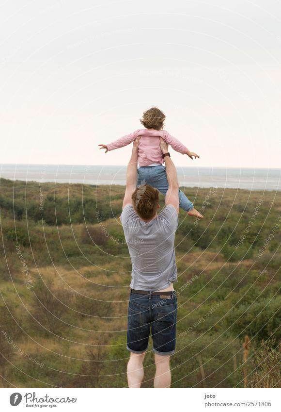 Wie fliegen... Ferien & Urlaub & Reisen Ausflug Ferne Freiheit Sommerurlaub Kindererziehung Vater Erwachsene Familie & Verwandtschaft 2 Mensch Natur Landschaft