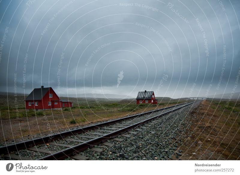 Am Polarkreis Ferien & Urlaub & Reisen Wolken ruhig Einsamkeit Haus Ferne Landschaft Freiheit Gebäude Stimmung Linie Regen Verkehr Klima Häusliches Leben