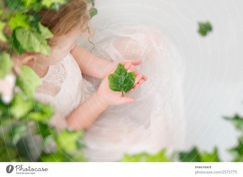 Milchbadshooting Badewanne wannenshooting Efeu Blatt Kleinkind Mädchen zart Fee Kind feminin spitzenkleid Kleid Ranke grün Pflanze Photo-Shooting