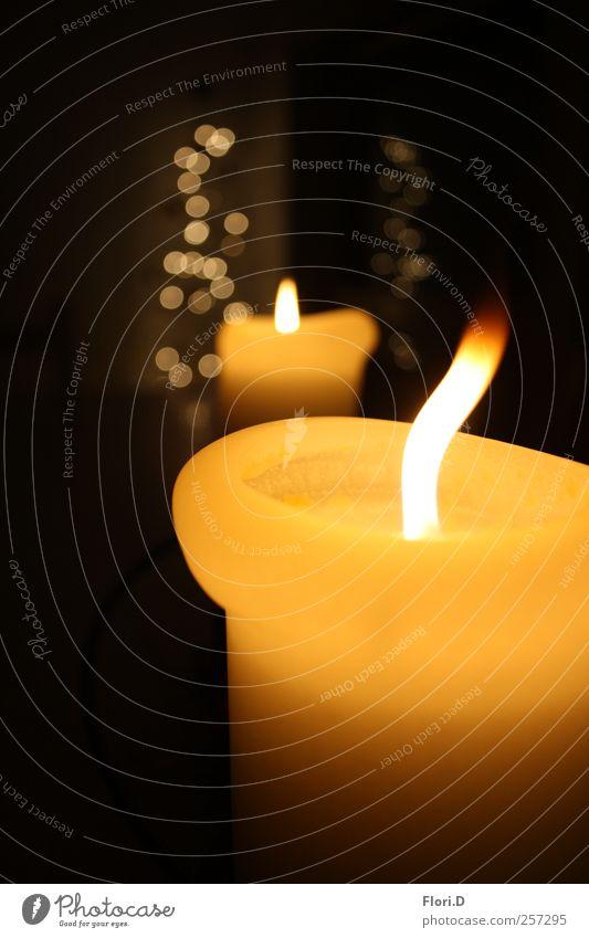 Fascination schwarz ruhig gelb Feuer Kerze Wellness Wohlgefühl harmonisch Sinnesorgane achtsam