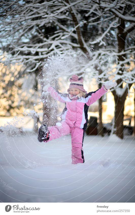 Kommt ins Jahr 2010, hier liegt der Schnee! Kind Natur Ferien & Urlaub & Reisen Hand Baum Mädchen Freude Winter Leben Schnee Spielen Freiheit Gesundheit Garten Fuß Eis