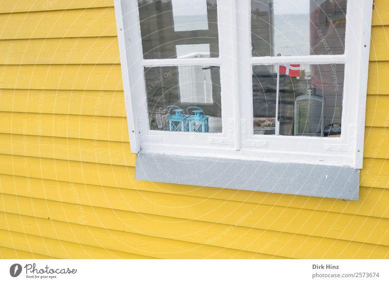 Strandhaus auf der dänischen Insel Ærø Haus Hütte Bauwerk Gebäude Mauer Wand Fassade Fenster niedlich gelb Dänemark Skandinavien Fahne Dekoration & Verzierung