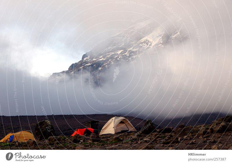 Karanga Camp Ferien & Urlaub & Reisen Tourismus Abenteuer Expedition Camping Berge u. Gebirge wandern Klettern Bergsteigen Landschaft Nebel Vulkan Idylle Umwelt