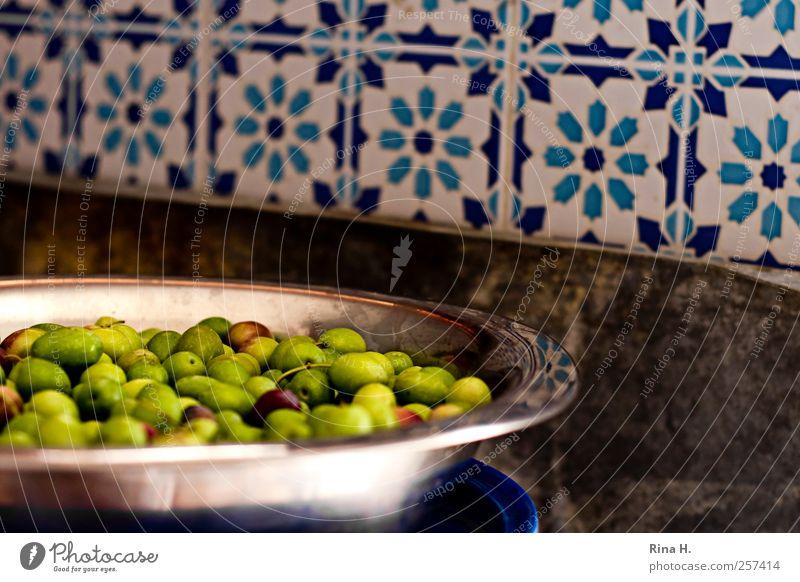 Grüne Oliven grün Lebensmittel hell authentisch Geschirr Schalen & Schüsseln mediterran Vegetarische Ernährung