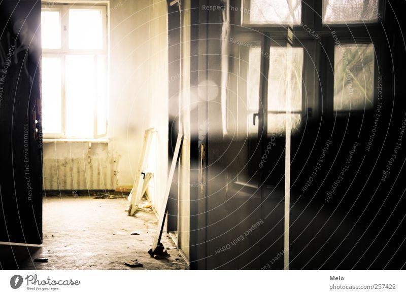 Broken Thoughts Haus gelb Fenster Gebäude braun Tür gold Bauwerk Ruine