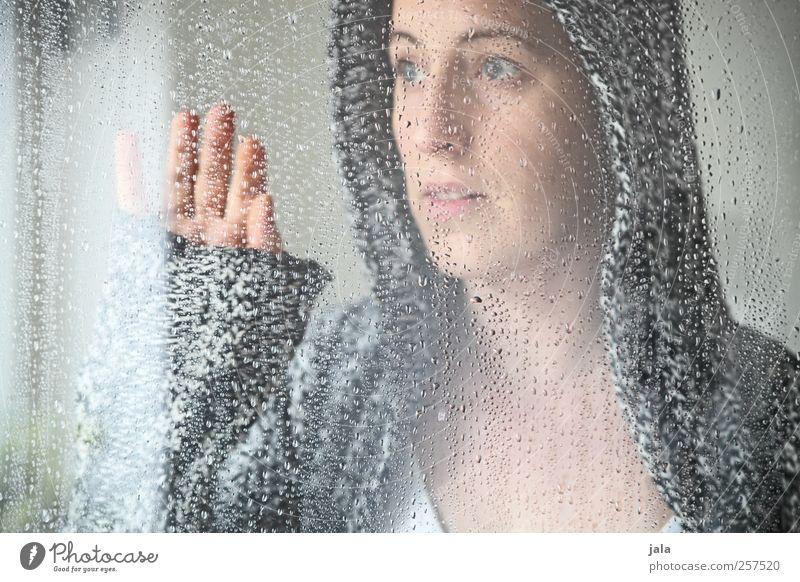 what will happen in 2012? Frau Mensch Hand schön Erwachsene Gesicht feminin Gefühle träumen Zufriedenheit ästhetisch Sicherheit Schutz Vertrauen Geborgenheit