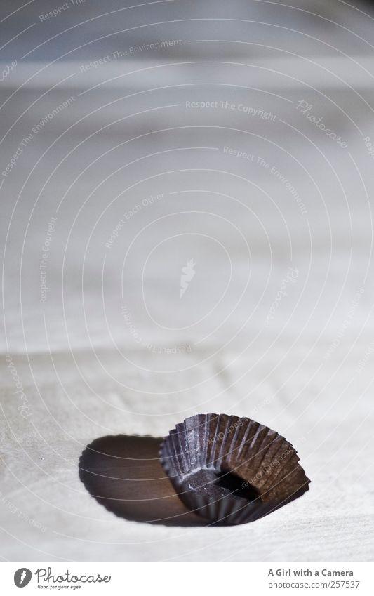 Zeit für Neues Süßwaren Schokolade Reichtum Esszimmer Tisch Holztisch Süßwarengeschäft braun leer Dekoration & Verzierung Gedeckte Farben Innenaufnahme