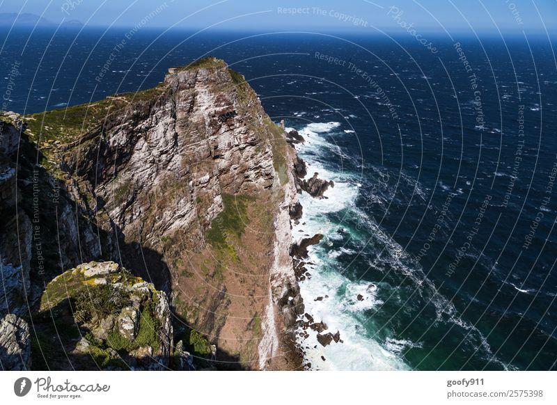 Steilküste Ferien & Urlaub & Reisen Tourismus Ausflug Abenteuer Ferne Freiheit Sightseeing Meer Wellen Umwelt Natur Landschaft Wasser Himmel Horizont Hügel