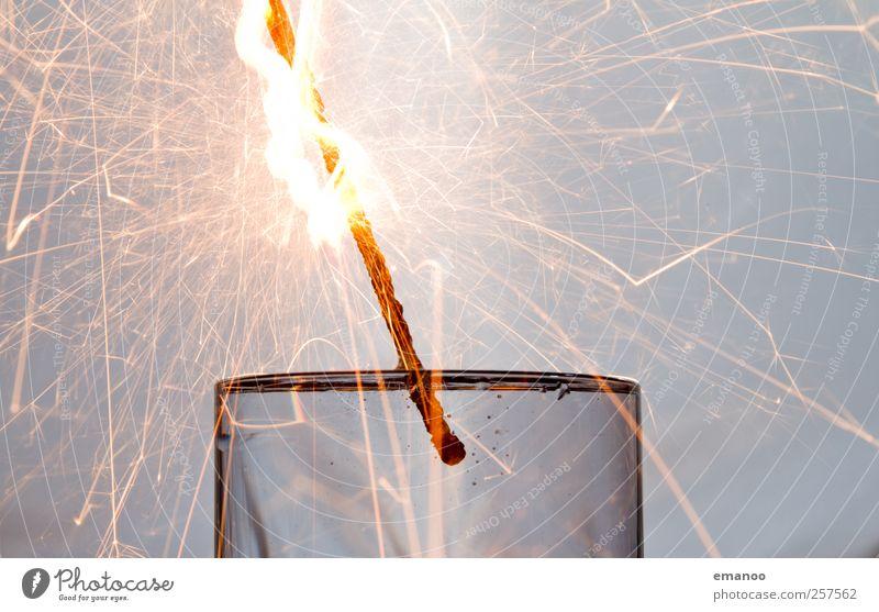 the party is over Wasser grau hell Feste & Feiern Glas Brand Ende Silvester u. Neujahr heiß Karneval tauchen Veranstaltung brennen Feuerwerk glühen Feuerwehr